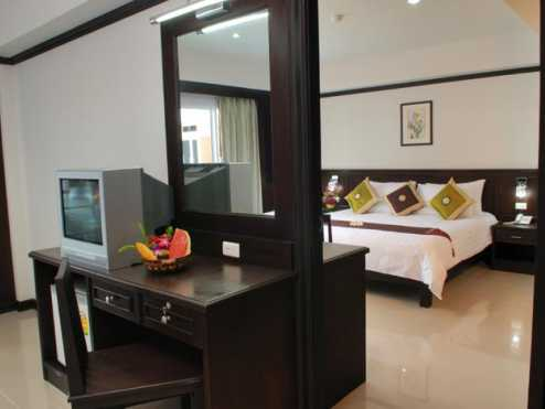 First residence hotel 10