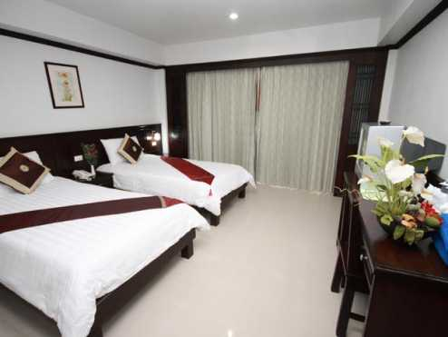First residence hotel 12
